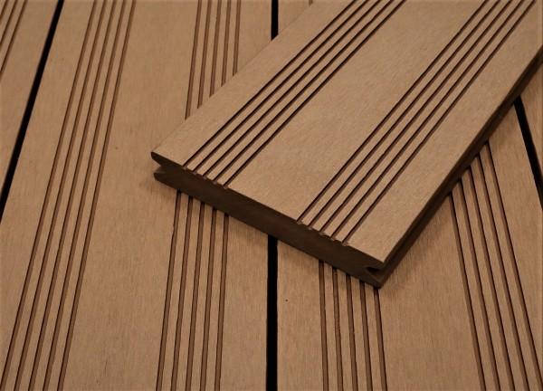 WPC Terrassendielen massiv, hellbraun, französisches Profil, 22 x 143 bis 4800 mm, Vollprofil für 9,50 €/lfm