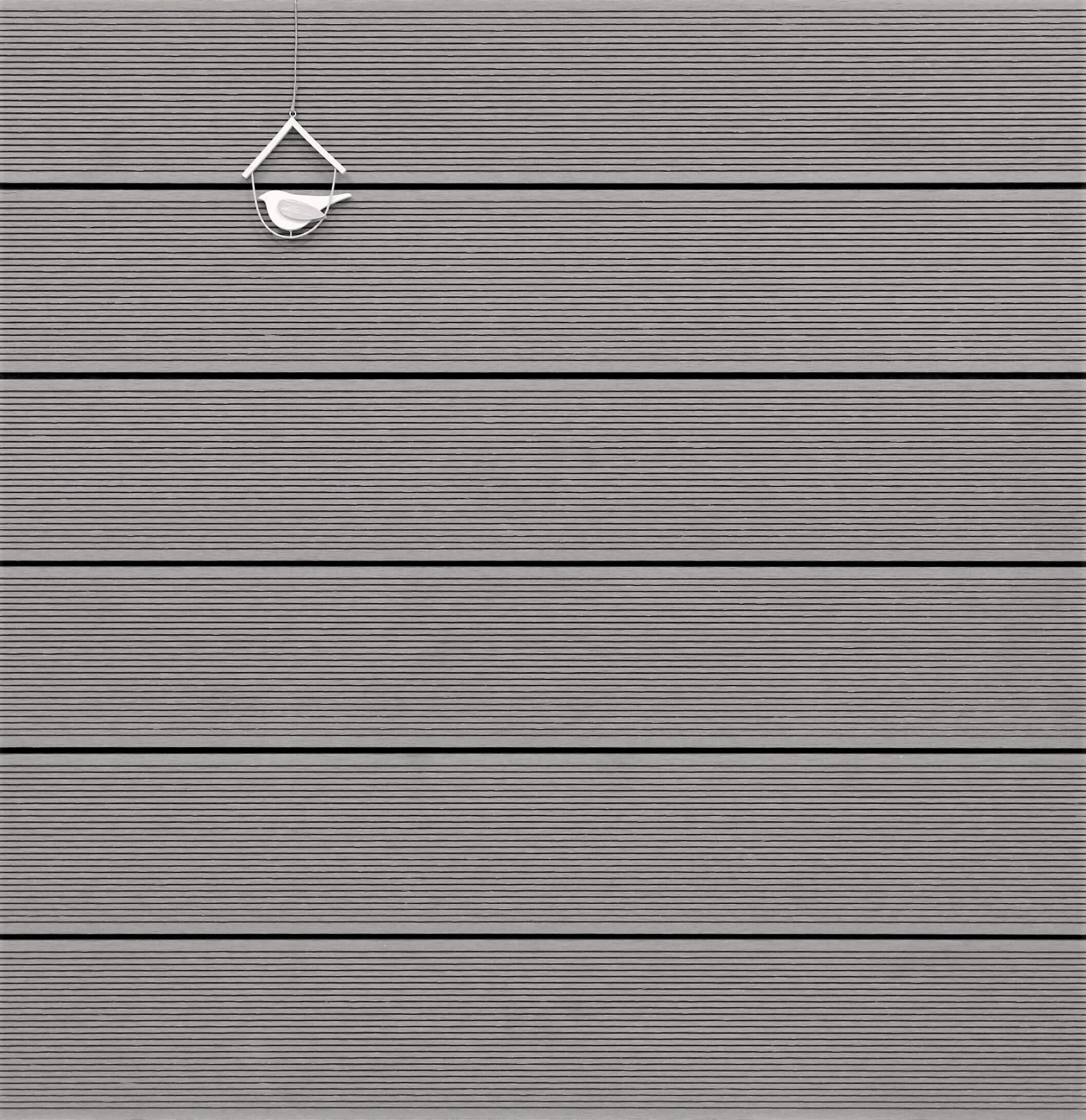 WPC Terrassendielen massiv, hellgrau, fein gerillt, 22 x 143 bis 4800 mm, Vollprofil für 8,95 €/lfm