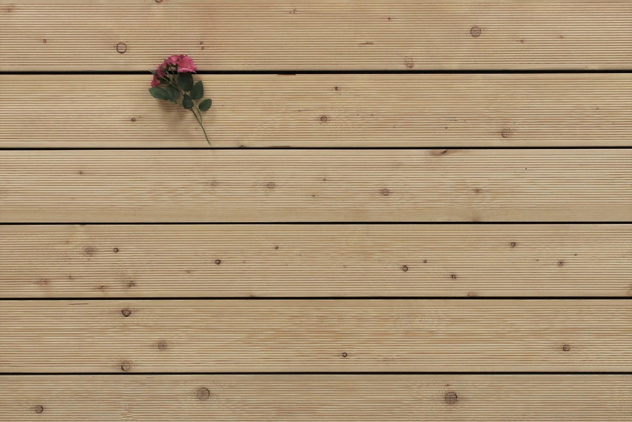 Sibirische Lärche Terrassendielen, fein gerillt, AB Sortierung, 26 x 143 bis 6000 mm für 6,95 €/lfm