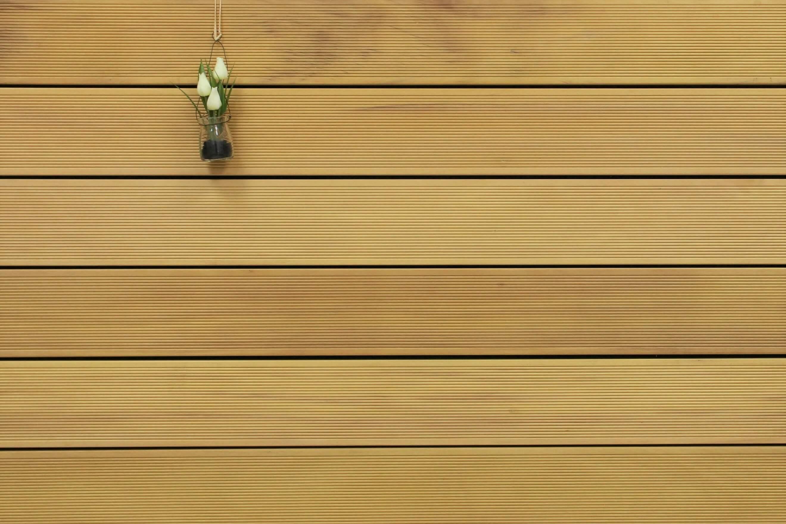 Garapa Terrassendielen, fein gerillt, 25 x 145 bis 6100 mm, Premium (KD) für 11,90 €/lfm