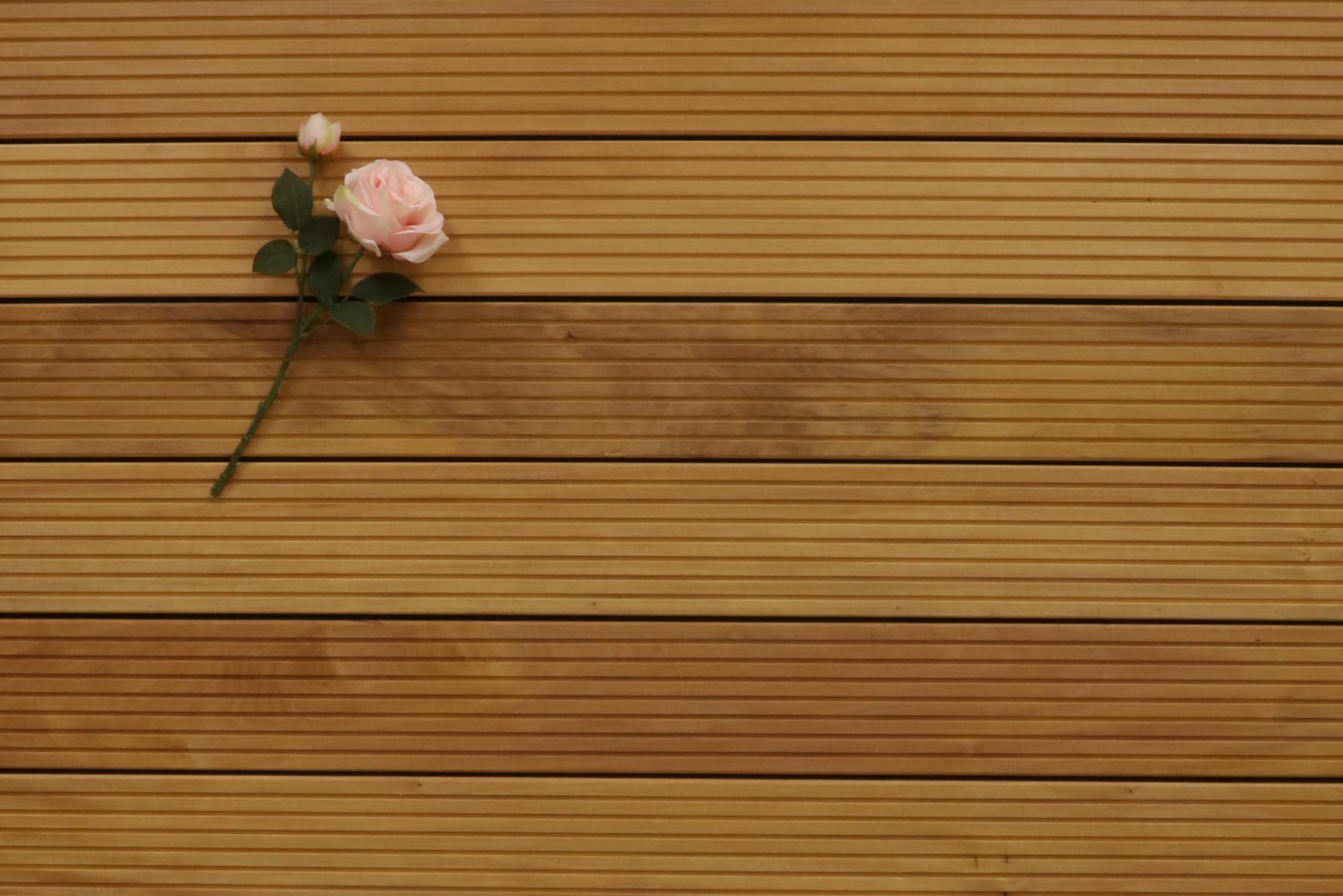 Garapa Terrassendielen, grob genutet, 25 x 145 bis 6100 mm, Premium (KD) für 11,90 €/lfm